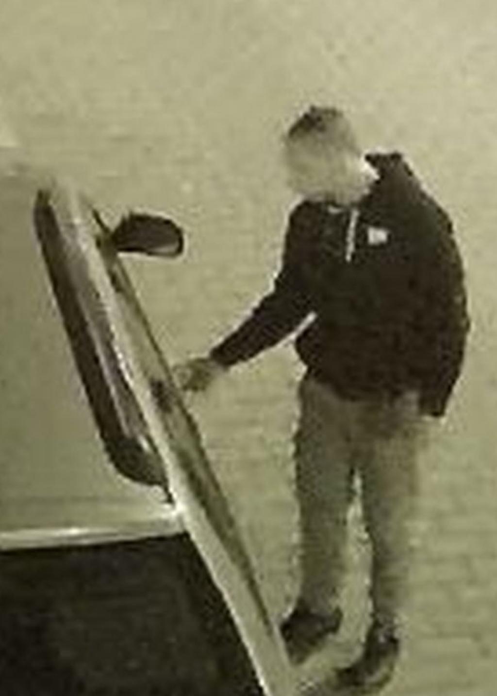 53feac9729c79b [VIDEO] DOLNOŚLĄSKIE: Czy rozpoznajesz tych mężczyzn? Policja poszukuje  osób mogących mieć związek