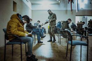 """Kolejni ochotnicy szkolą się na """"Terytorialsów"""""""